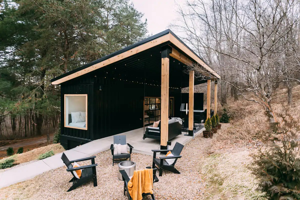Black Lily Pad Shipping Container