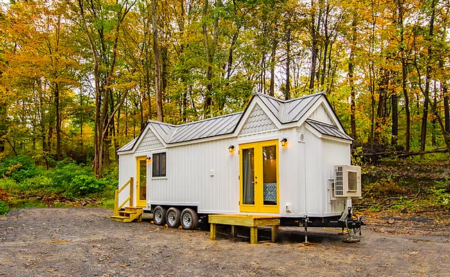 Willowbee Tiny House by Burmenbow