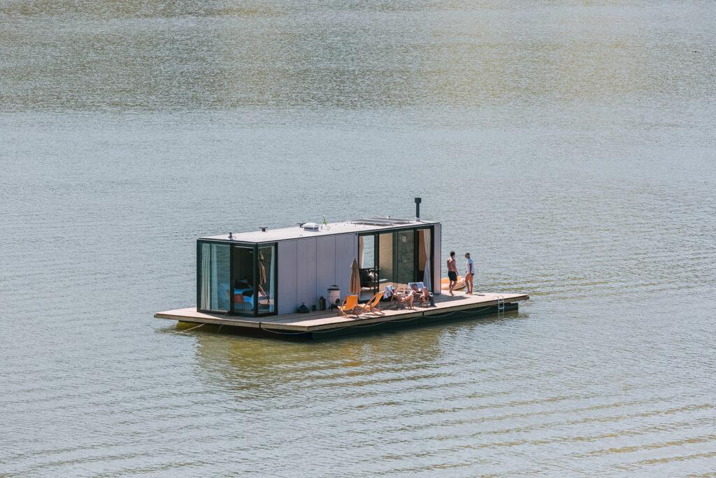 Floating House WaterlilliHaus 3 1