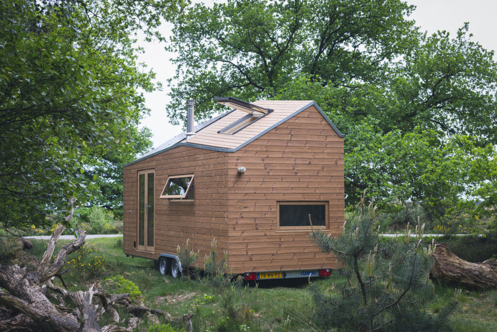 Stunning Contemporary Design Tiny House 1