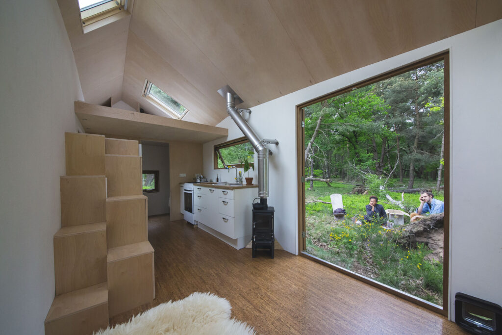 Stunning Contemporary Design Tiny House 14