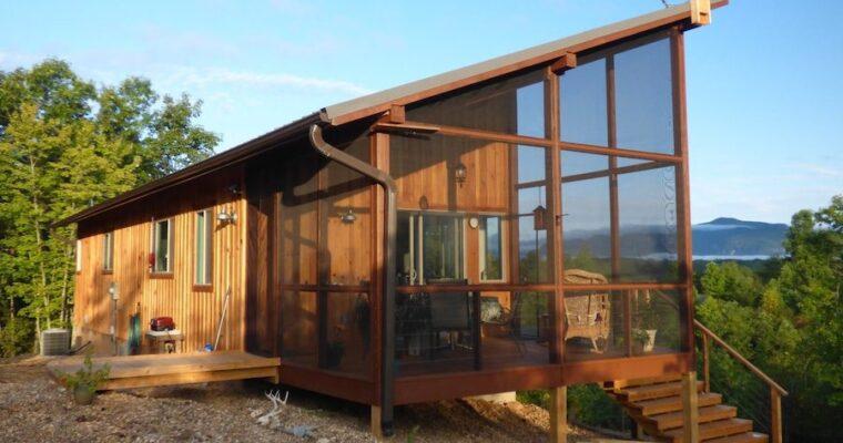 Couple Build 704 Amazing Cabin