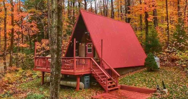 Red-A-Frame-Tiny-House-in-Vermont (23)